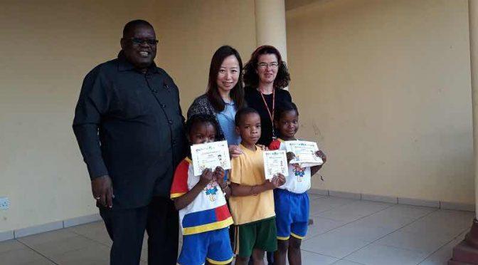 """2 Monate bei ACC Namibia — Bericht von Beatrix von Eycken — Seite 5: """"Die Motivation der Overseas-Mitarbeiter"""""""